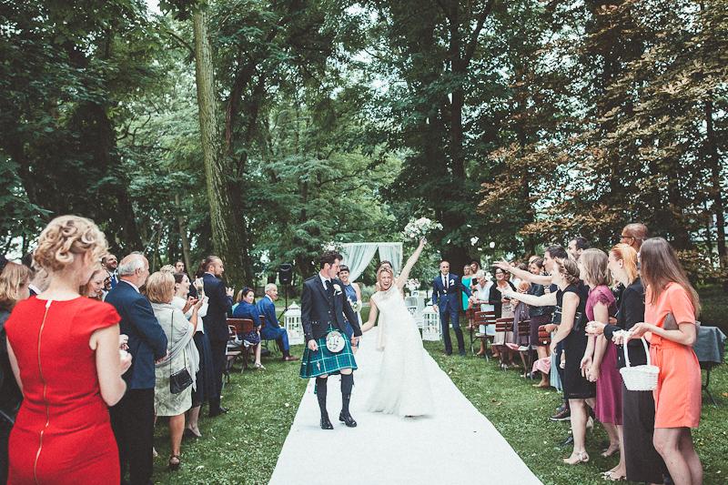 suknie ślubne ANNA KARA, Pałac Chojnata, ślub humanistyczny, ślub cywilny w plenerze, wesele plenerowe w namiocie, wesele w Pałacu Chojnata, ślub polsko-szkocki
