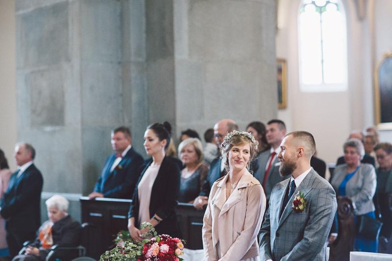 Folwark Zalesie Grajów, wesele w Folwarku Zalesie, Strefa Panny Młodej, ślub w kościele św. Józefa w Krakowie, biżuteria ślubna Orska.pl